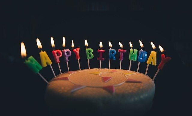 What are Best Ideas to Surprise Your Childhood Friend on Birthday?